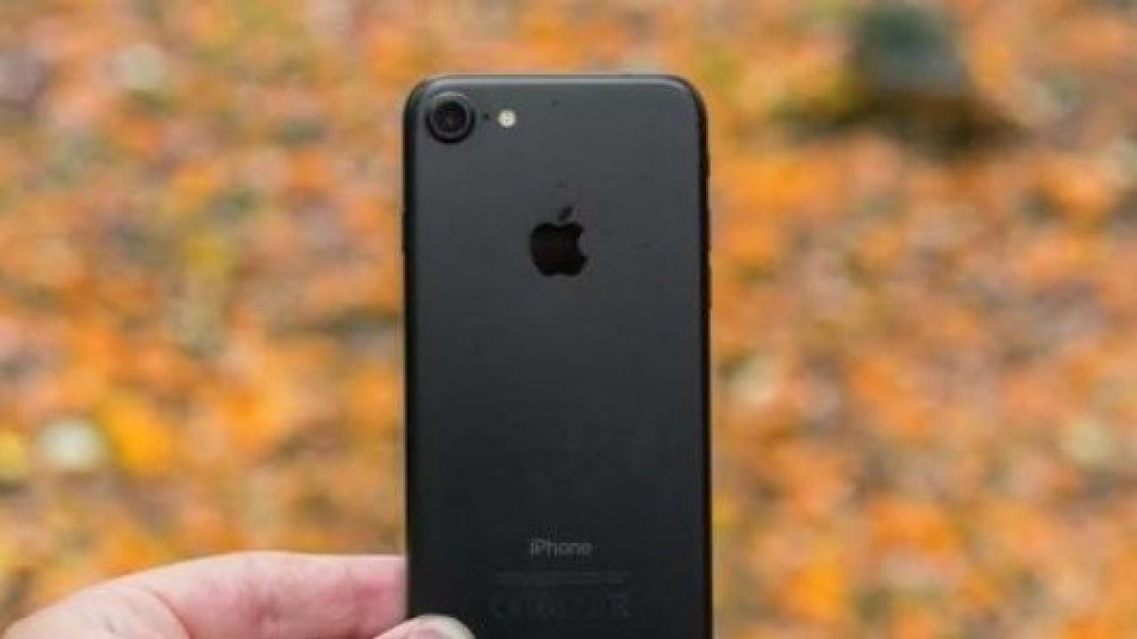 Apple, Üçüncü Çeyrekte İngiltere'de Akıllı Telefon Pazarının Lideri Oldu ve Samsung ise İkinci Sırad