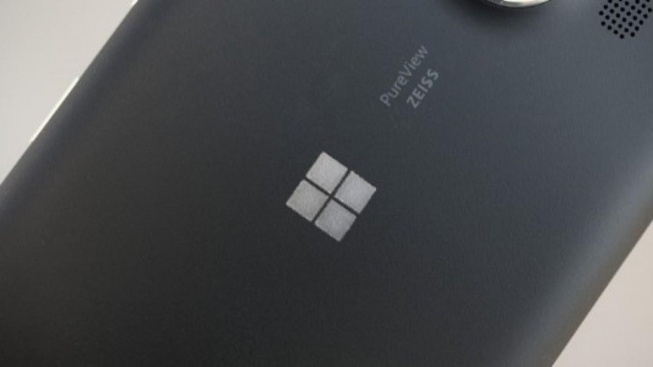 Microsoft'un Yeni Bir Telefonu, Yeni Bir Windows Mobile Sürümü ile Test Ettiği İddia Ediliyor
