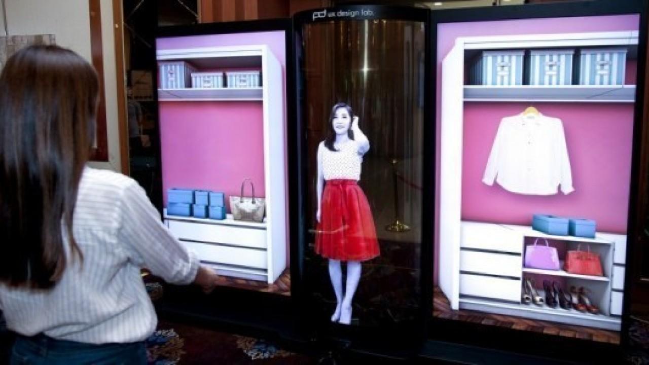 LG Display, Şeffaf ve Esnek 77 inç OLED Ekranını Duyurdu