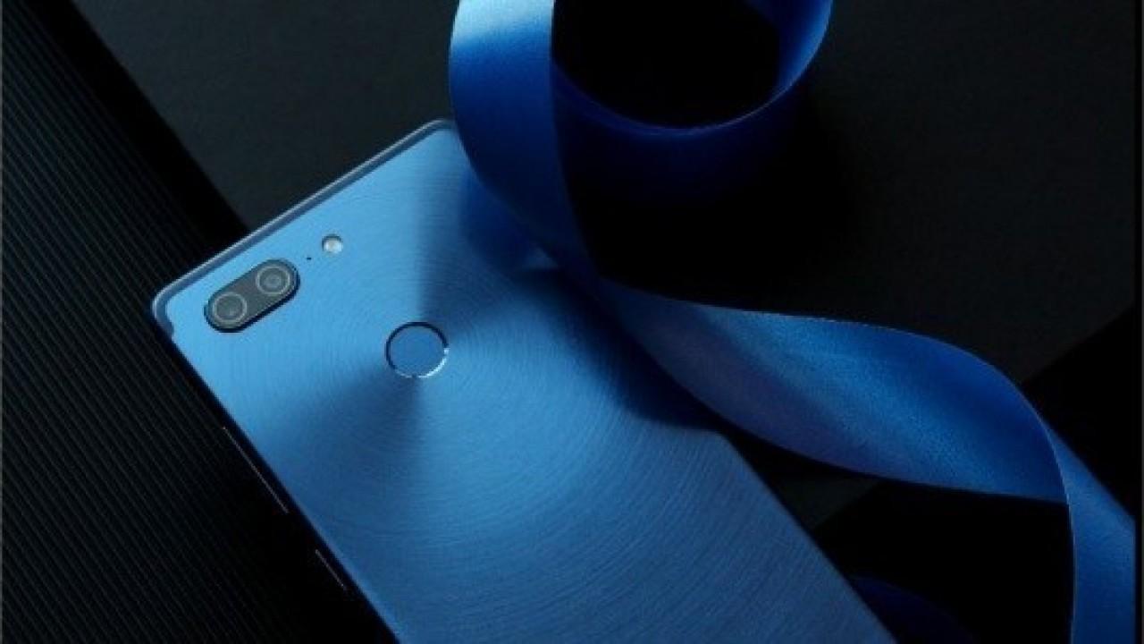 Gionee M7'nin Çift Kamera ve Çerçevesiz Ekranını Gösteren Canlı Görüntüleri Sızdırıldı