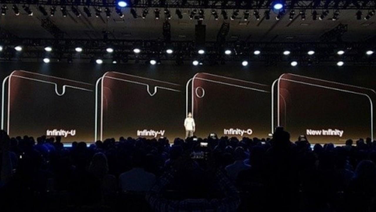 Çentikli Ekrana Sahip Samsung Telefonlar Geliyor
