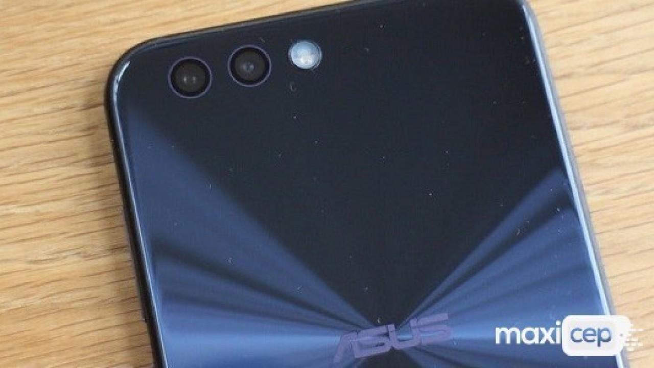 Asus'un Çerçevesiz Ekranlı Yeni Telefonları Ufukta Göründü