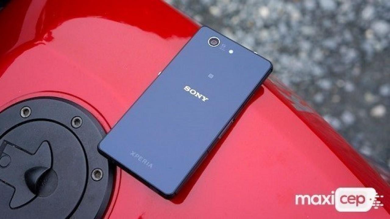 Sony Xperia XZ4 Compact Kılıf İçerisinde Ortaya Çıktı