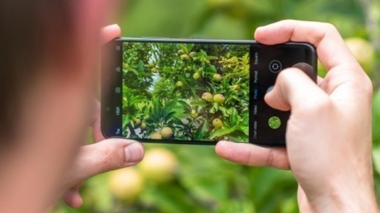 Xiaomi Mi 8, MIUI 10.1.2.0 Güncellemesi ile Gece Modu ve 960fps Slow-motion Video Desteği Kazandı