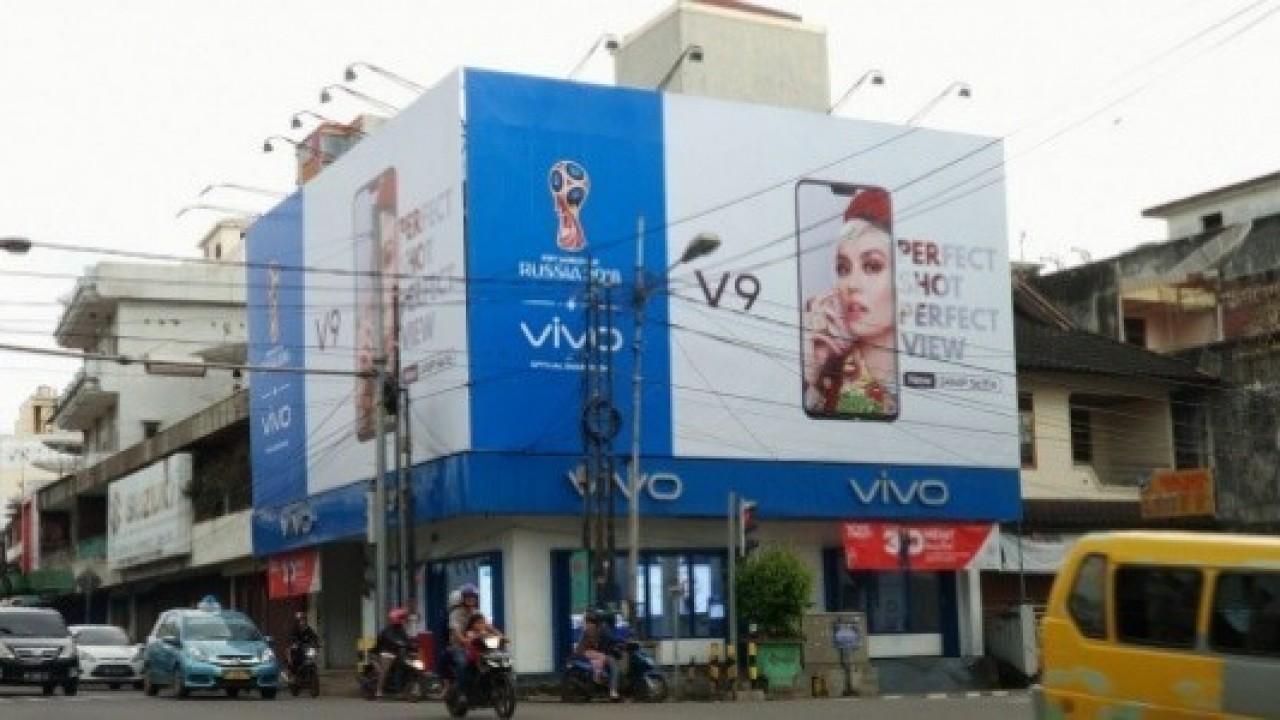 Duyurusu Yapılmayan Vivo V9, Endonezya'da BillBoard'larda Göründü