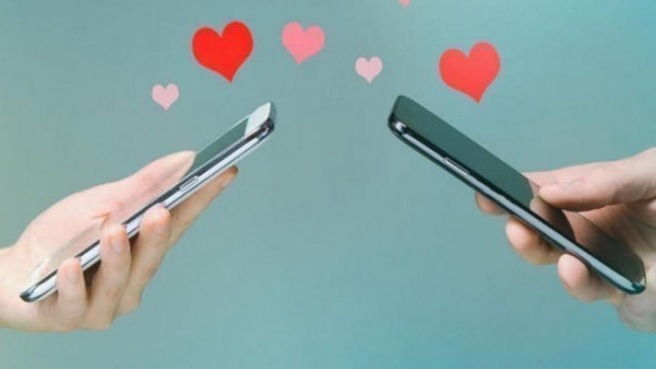 1500 TL altında teknolojik sevgililer günü hediyeleri