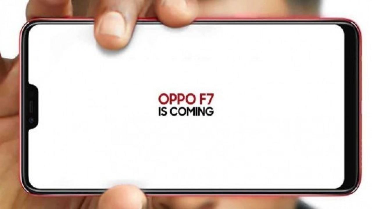Oppo F7 çentikli ekranla birlikte geliyor
