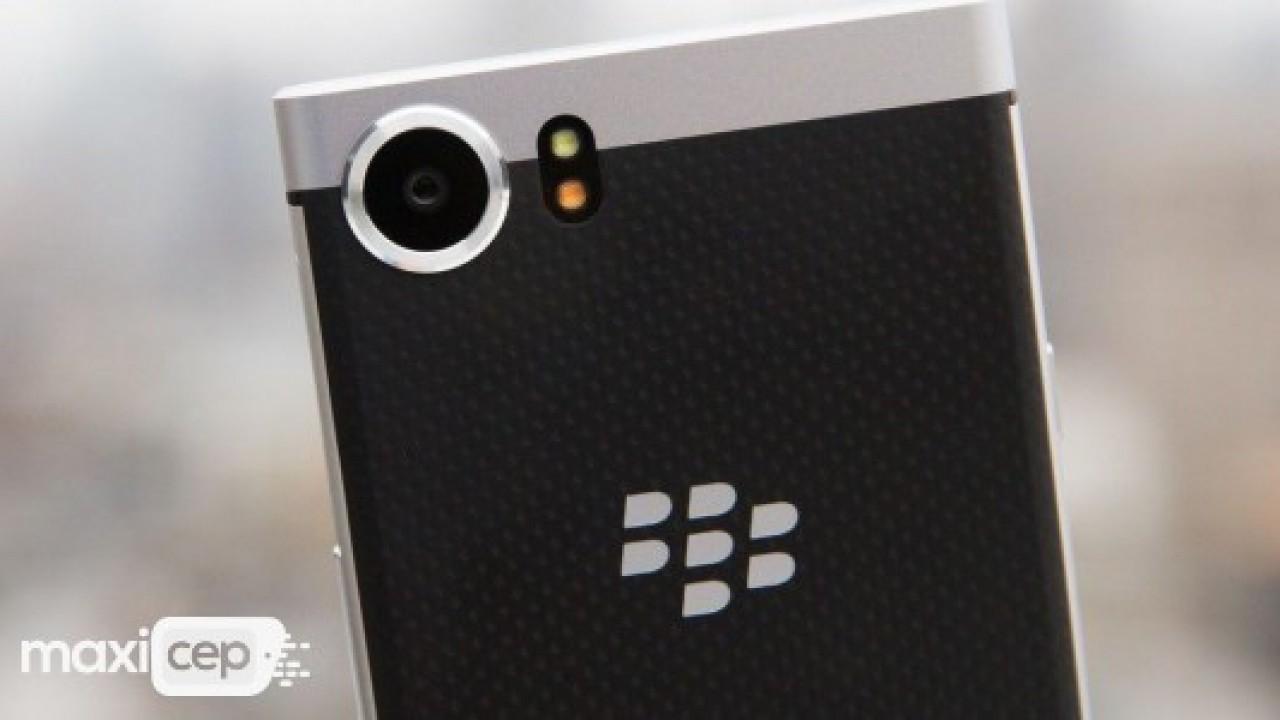 BlackBerry başta WhatsApp olmak üzere bir çok isme dava açtı