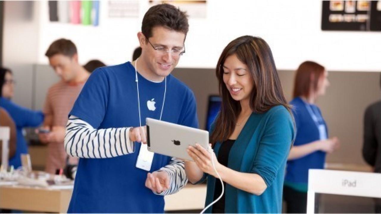 Apple'da çalışan bayanlar mı erkekler mi daha fazla kazanıyor?