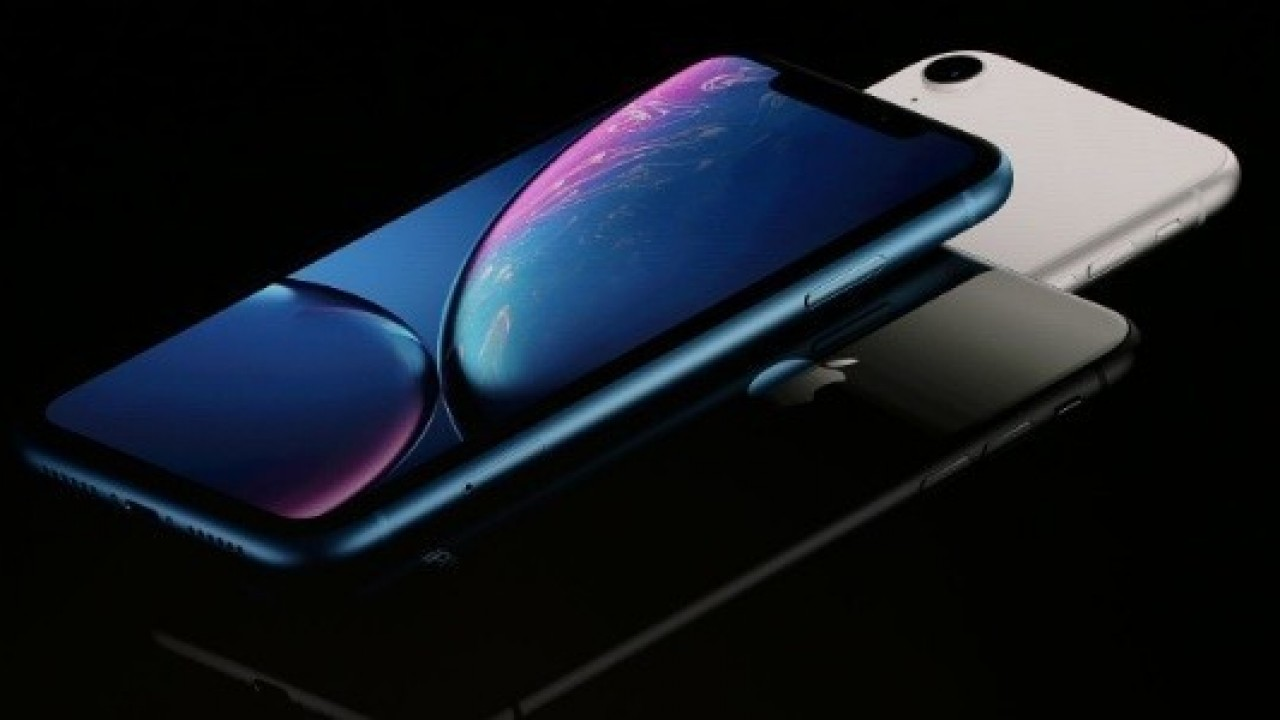 Apple iPhone Xr Çentikli Ekran ve Face ID ile Duyuruldu