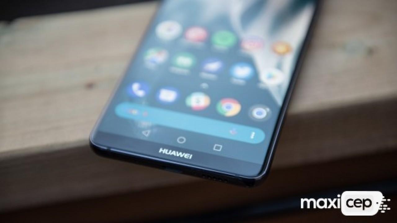 Huawei Mate 20 Pro kavisli ekranla gelebilri
