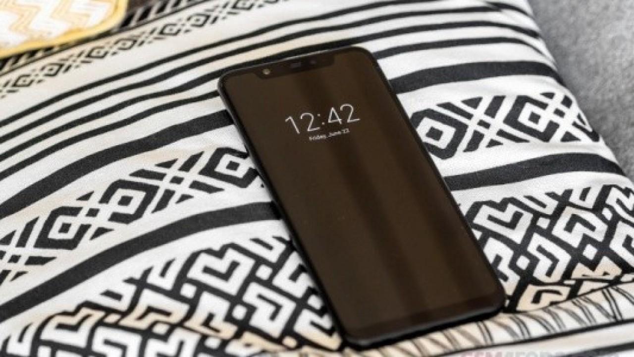 Xiaomi Mi 9'un Tüm Özelliklerini Ortaya Koyan Bilgiler İnternete Sızdırıldı