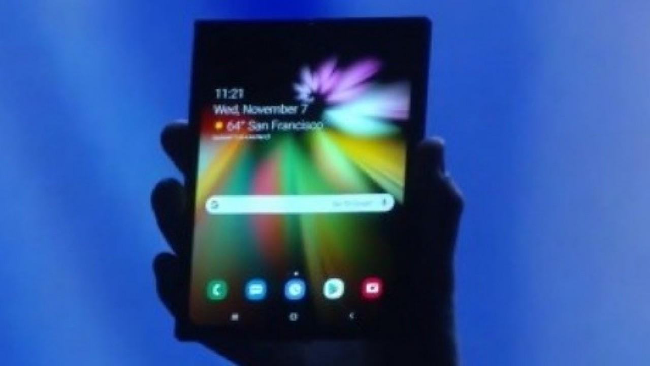 Samsung'un Katlanabilir Akıllı Telefonu CES 2019'da İlk Kez Görücüye Çıktı