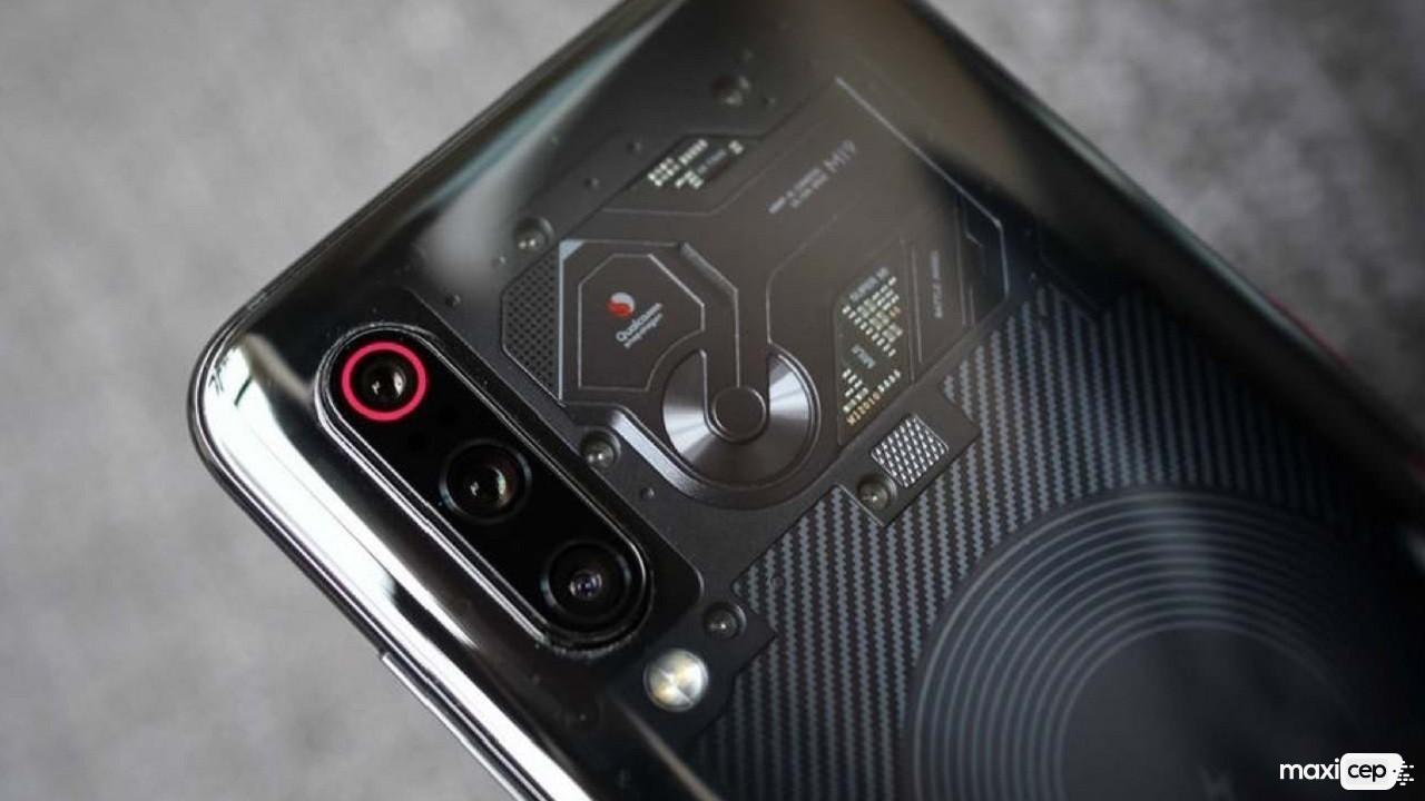 Xiaomi, Kamerayla 50X Yakınlaştırma Yapabilen Bir Telefon Duyurabilir