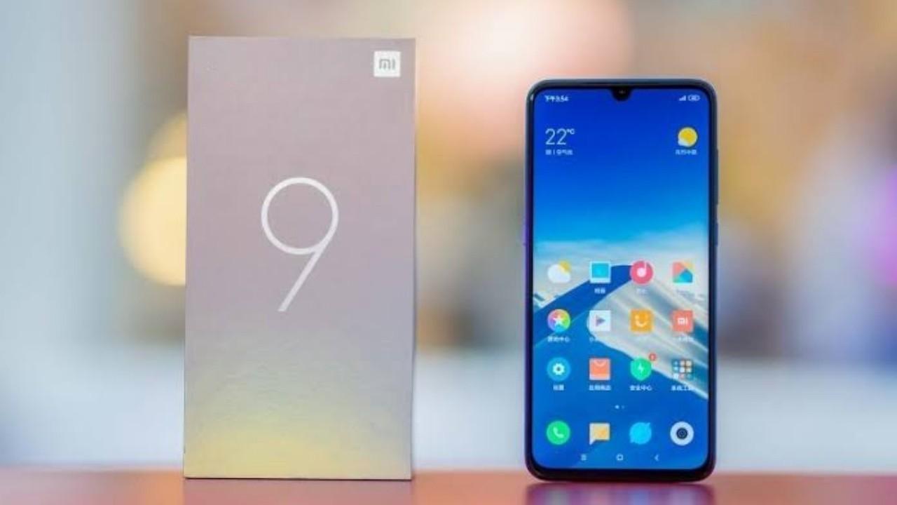 Xiaomi Mi 9 SE'nin Global Versiyonu Satışa Sunuldu
