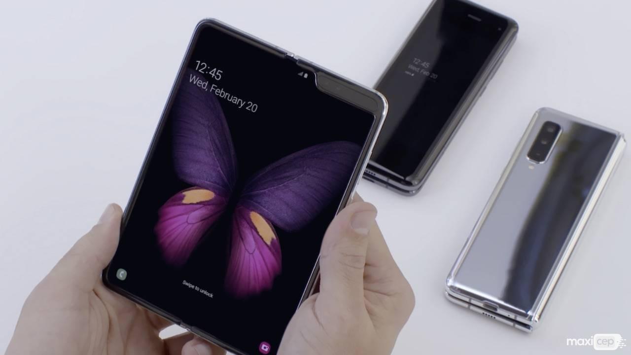 Galaxy Fold Satışları Ortaya Çıkan Ekran Sorunları Sebebiyle Ertelendi