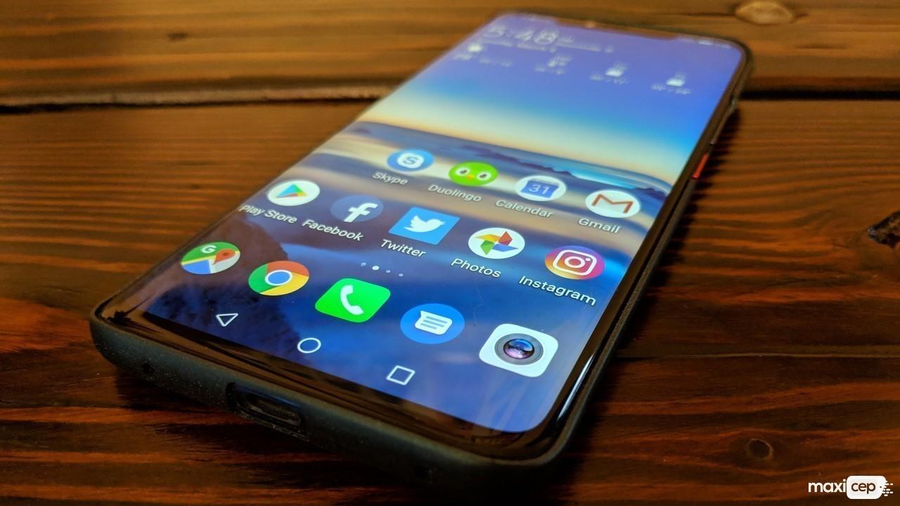 Huawei Mate 30'un Tasarımı Afiş Sayesinde Ortaya Çıktı