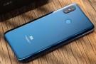 Xiaomi Pocophone F1 kutu açılış videosu yayınlandı