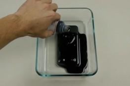 iPhone 7 üzerine manyetik sıvı döktüler