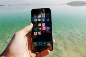 iPhone 7 Lut Gölü'nde, tuz altında 24 saat bekledi