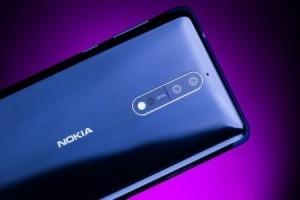 Nokia 8'i çizdiler, büktüler ve ateşe atıp dayanıklılığını ölçtüler