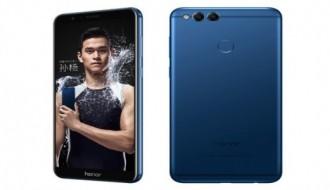 Huawei Honor 7X'i baştan aşağıya incelediler