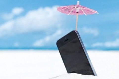 <p>Sıcak havada telefon kılıfla kullanılabilir mi?</p>