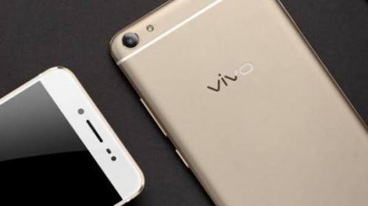 Vivo V5 ve V5 Plus, 20MP Ön Kamera ile Geliyor