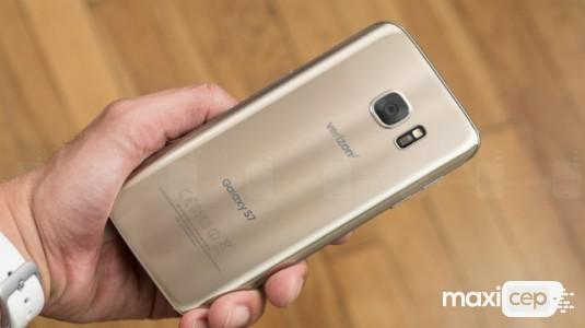 Galaxy S8 2K Ekranla Gelecek ve Home Tuşu Olmayacak