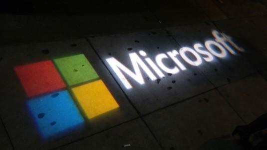 Ortaya çıkan Microsoft Surface Phone görselleri sahte mi?