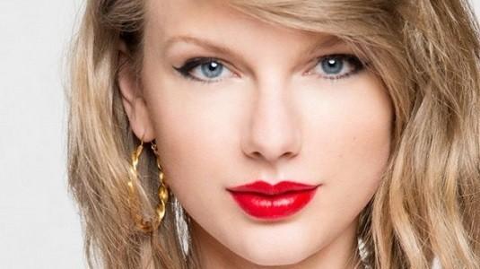 Taylor Swift yeni bir reklam filminde daha Apple Music'i ön plana çıkartıyor