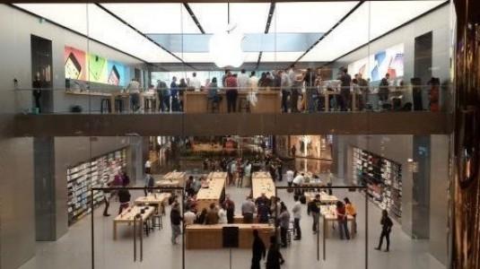 Apple, önemli pazarlarda geriliyor
