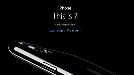 iPhone 7 ile gelen Simsiyah renk büyük ilgi görüyor