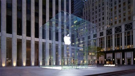 Yeni iPhone'u için mağaza önünde 23 gün bekledi