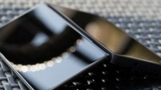 ZTE Axon M, Katlanabilir Çift Ekranı ile FCC Sertifikası Aldı