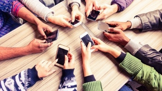 Orta Seviye Akıllı Telefonlar Pazarı Ele Geçirdi