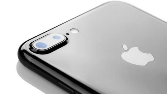 2019 iPhone'un Arka Tarafında da 3D Sensör Olacak
