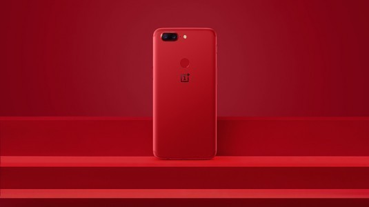 Oneplus 5T'nin Kırmızı Renk Seçeneği Duyuruldu