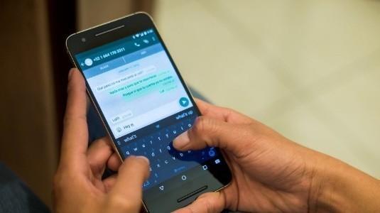 WhatsApp'a Uygulama İçi YouTube Videolarını Oynatma ve Ses Kayıt Kilidi Özellikleri Geldi