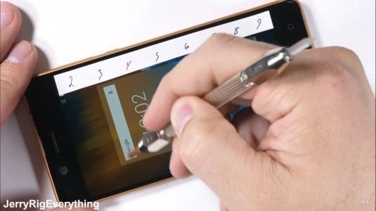 Nokia 5'in darbelere karşı dayanıklılığı şaşkınlık yarattı