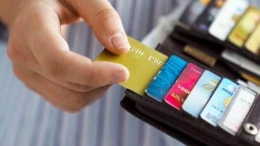 Banka ile kredi kartları, yeni yılda internetten alışverişe kapanıyor