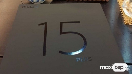 Meizu 15 Plus Çerçevesiz Ekranıyla Beraber Net Bir Şekilde Göründü