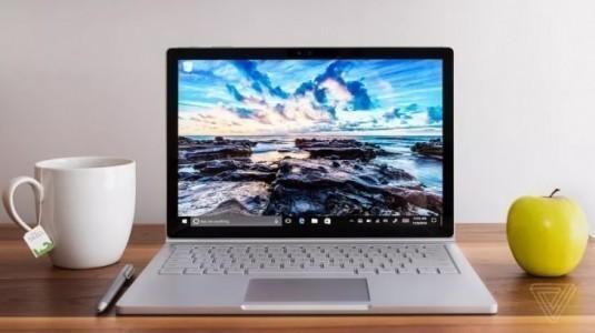 Microsoft Surface Book 2'nin, Geleneksel Dizüstü Bilgisayar Olduğu Söyleniyor