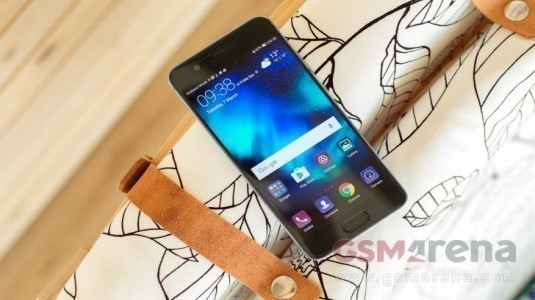 Huawei P10 İngiltere'de Ön Siparişe Sunuldu, 31 Mart'ta Satışta