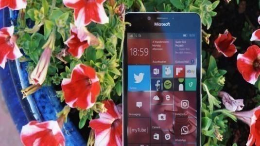 Windows 10 Creators Güncellemesini Sadece 13 Telefon Alacak