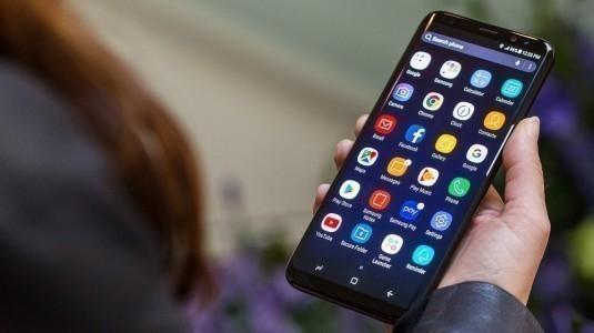 Çift kameralı bir Galaxy S8 modeli görüldü