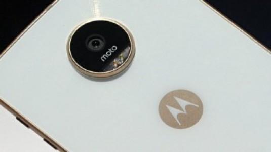 Moto Z2 Play Basın Görseli İnternete Sızdırıldı