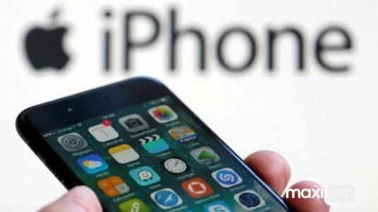 Apple, kavisli OLED'ler için Samsung ile anlaşma imzaladı