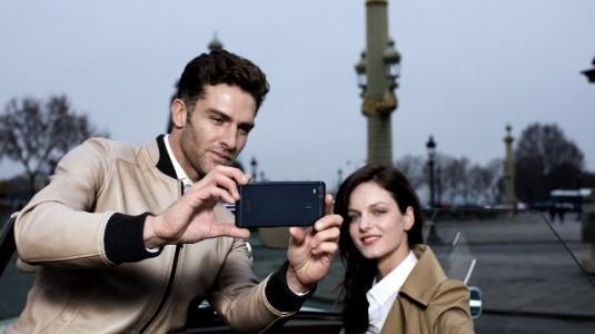 Asus Zenfone Zoom S, TeknoSa ve Vatan Mağazalarında Satışa Sunuldu