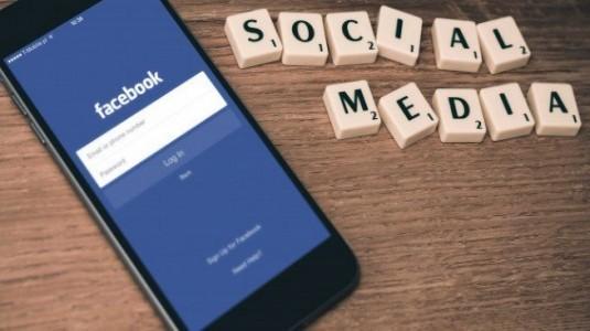 Avrupa Birliği, Facebook'a WhatsApp Satın Almasından Dolayı Büyük Bir Ceza Kesti